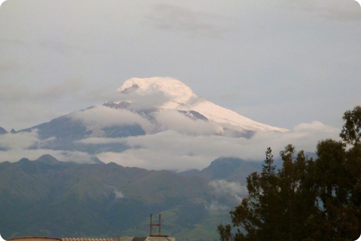 nieve-cima-ruta-tulcan-quito